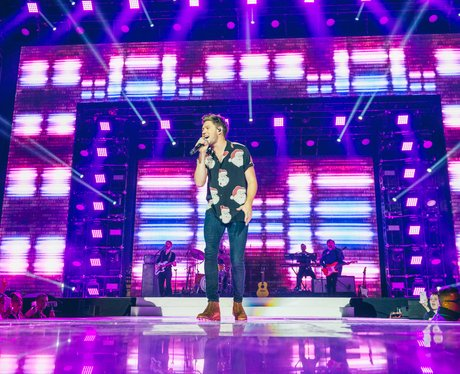 Niall Horan Jingle Bell Ball 2017 live