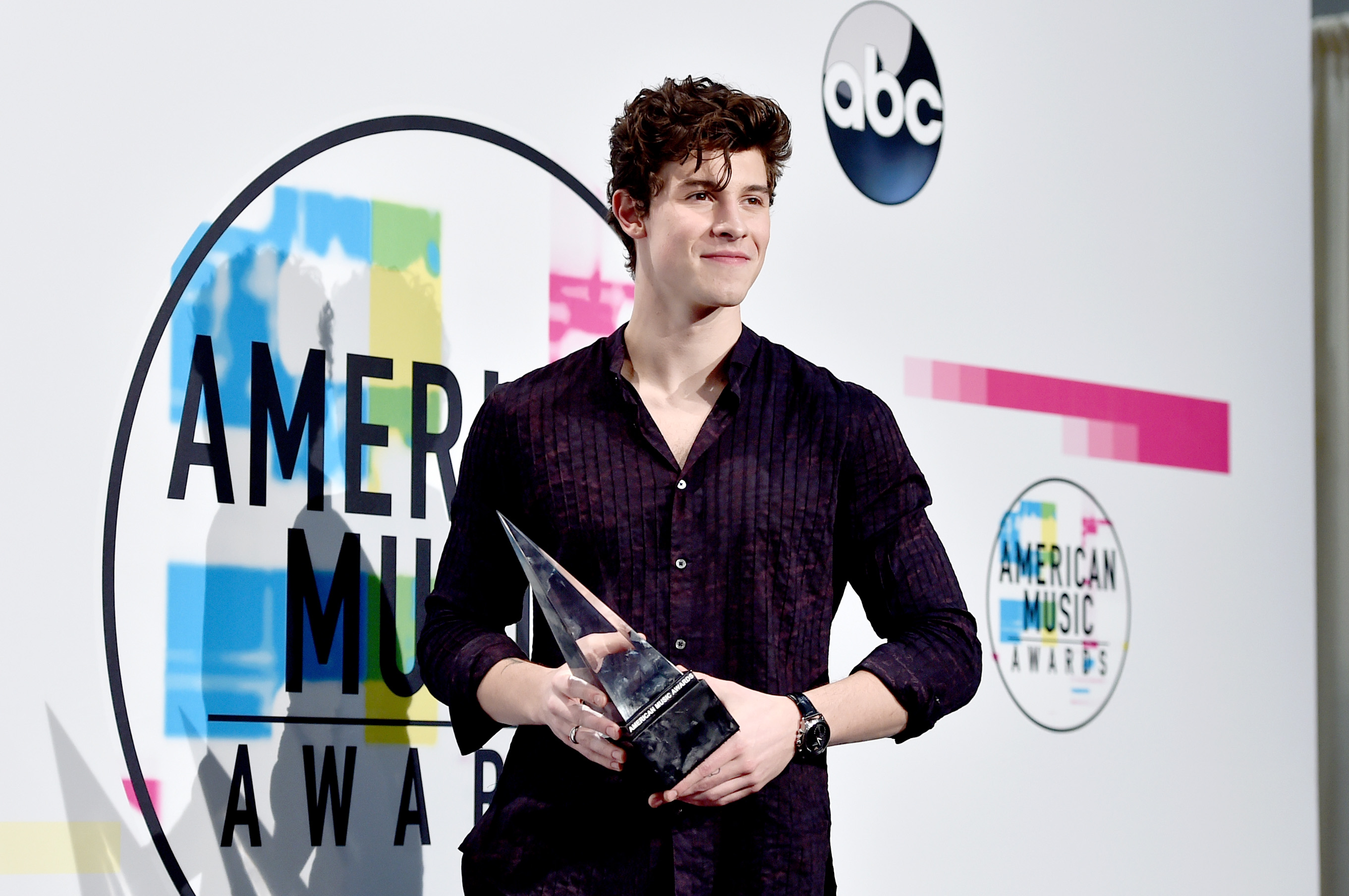 Shawn Mendes American Music Awards 2017