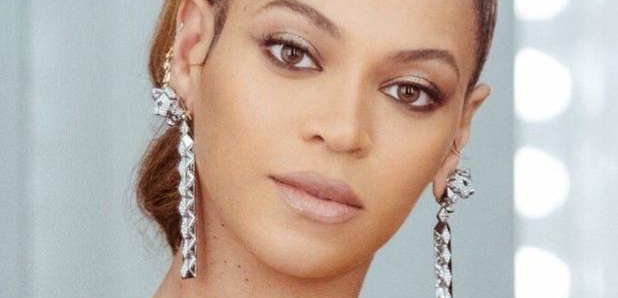 a1b374d140fd6 People Believe Bey s Earrings Are A Secret Message To Her Beyhive ...