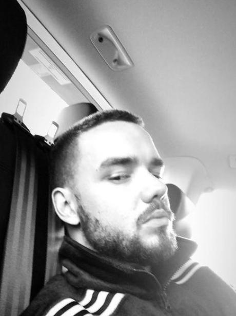 Liam Payne Accidental Selfie