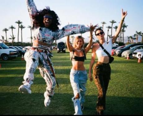 Kendall And Hayley Baldwin Coachella