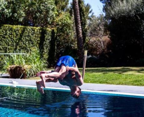 Gaz Beadle Dive Swimming Pool