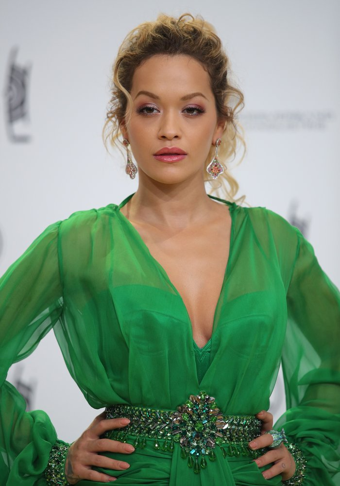 Rita Ora sexy green dress
