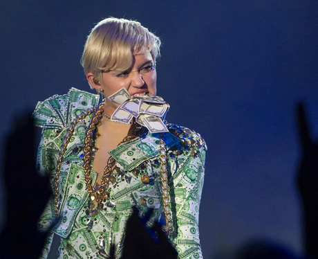 Miley Cyrus money outfit performance 2014