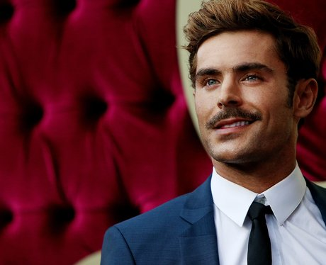 Zac Efron at the Greatest Showman premier