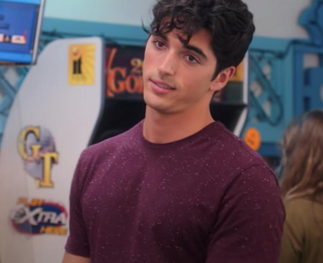 Taylor Zakhar Perez stars in The Kissing Booth 2